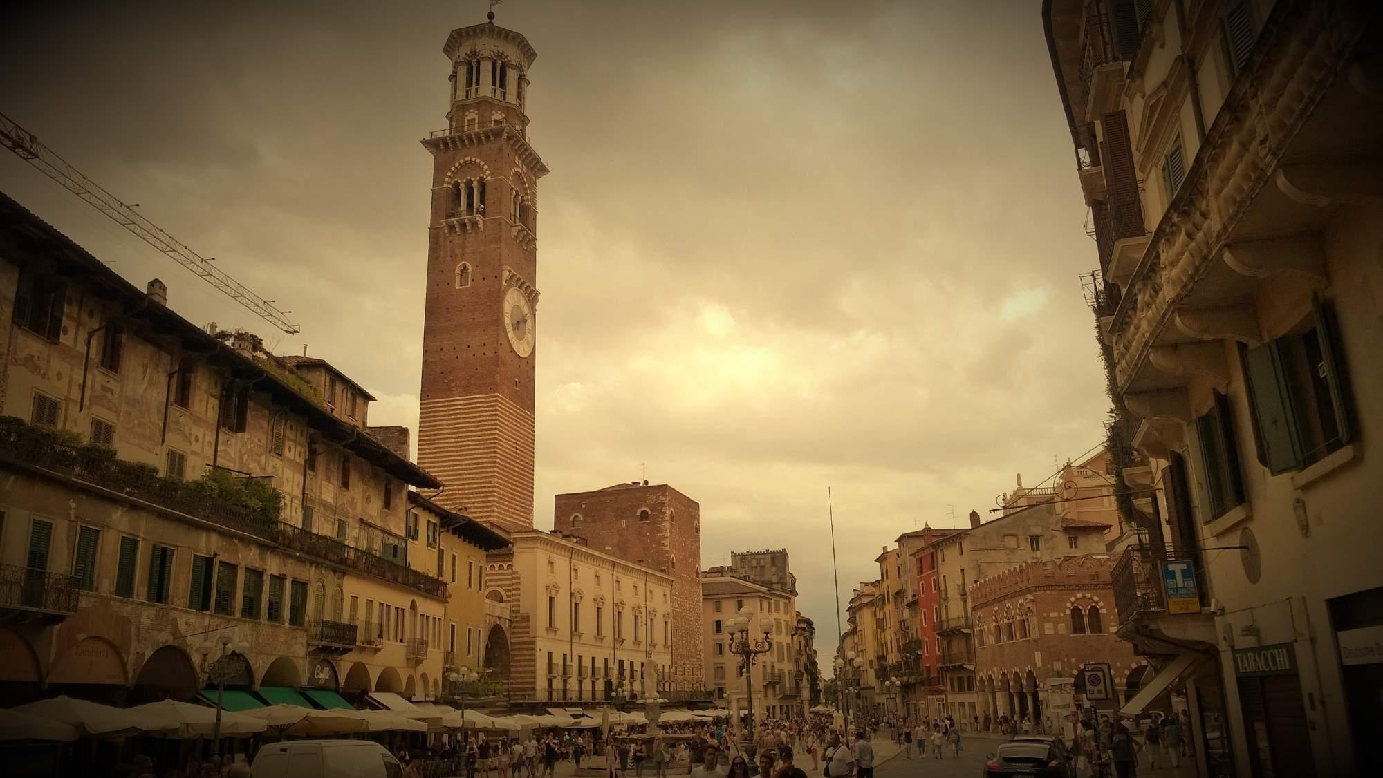 http://img22.rajce.idnes.cz/d2201/13/13110/13110056_85ca4ba35a019d03533c343bf615fafa/images/Verona.jpg