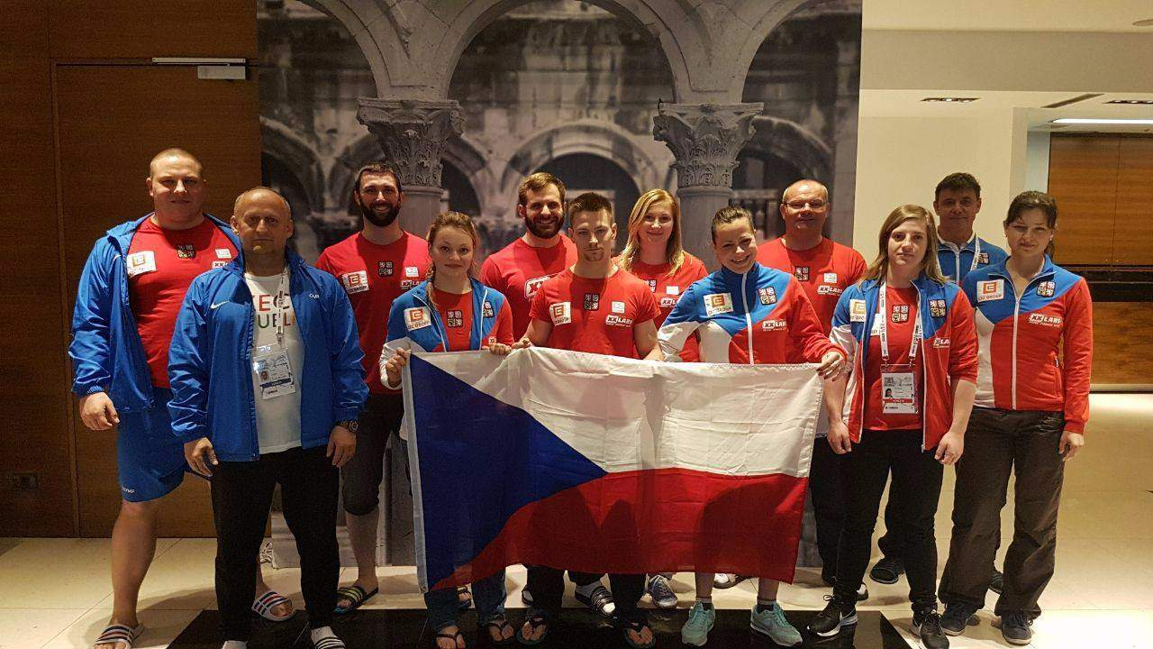 Česká reprezentace na ME ve Splitu. Zdroj: facebook Czech Weightlifting team