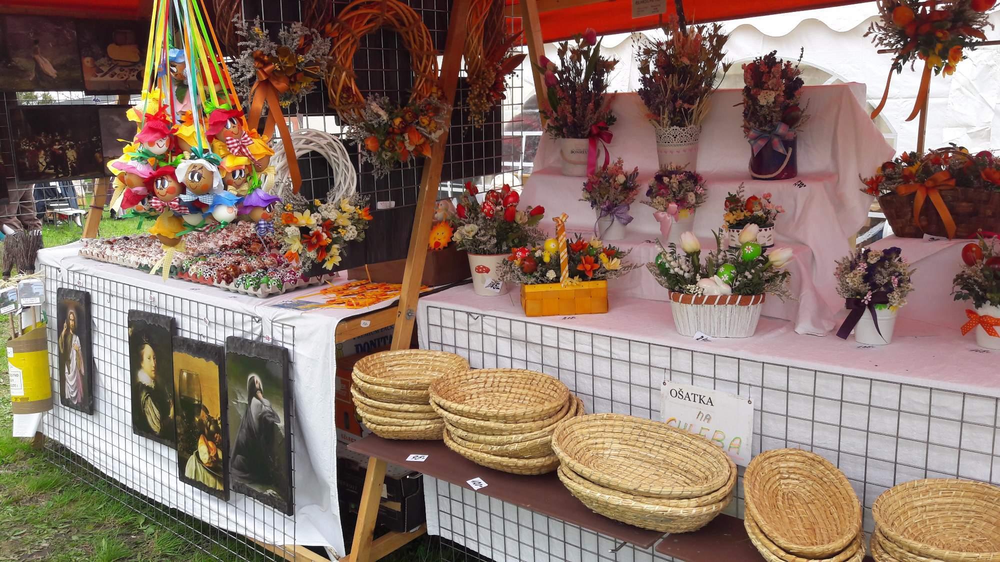 Návštěvníci si v Mimoni mohli koupit předměty s jarní tematikou. Foto: Pavlína Černá
