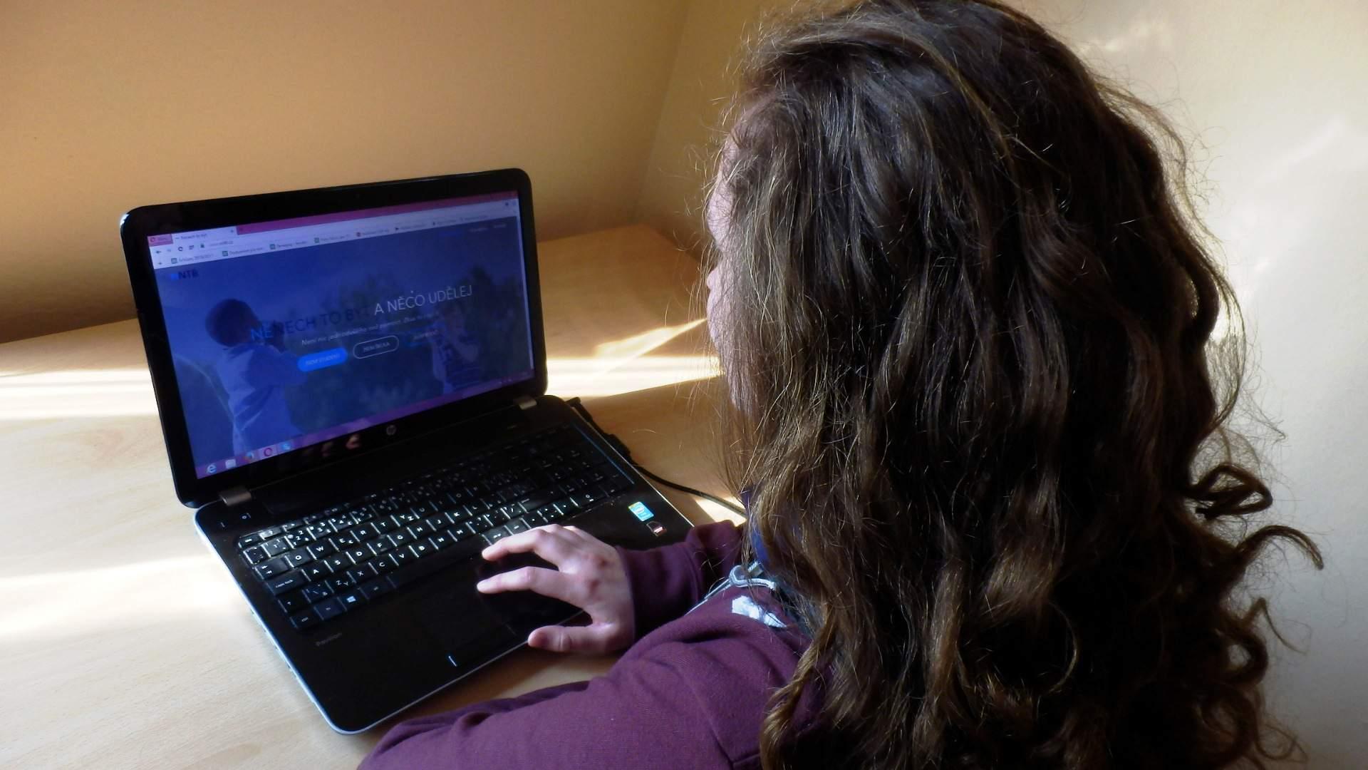 Studenti spustili nový web, na kterém svědci mohou hlásit oběti šikany. Foto: Miroslav Hanus