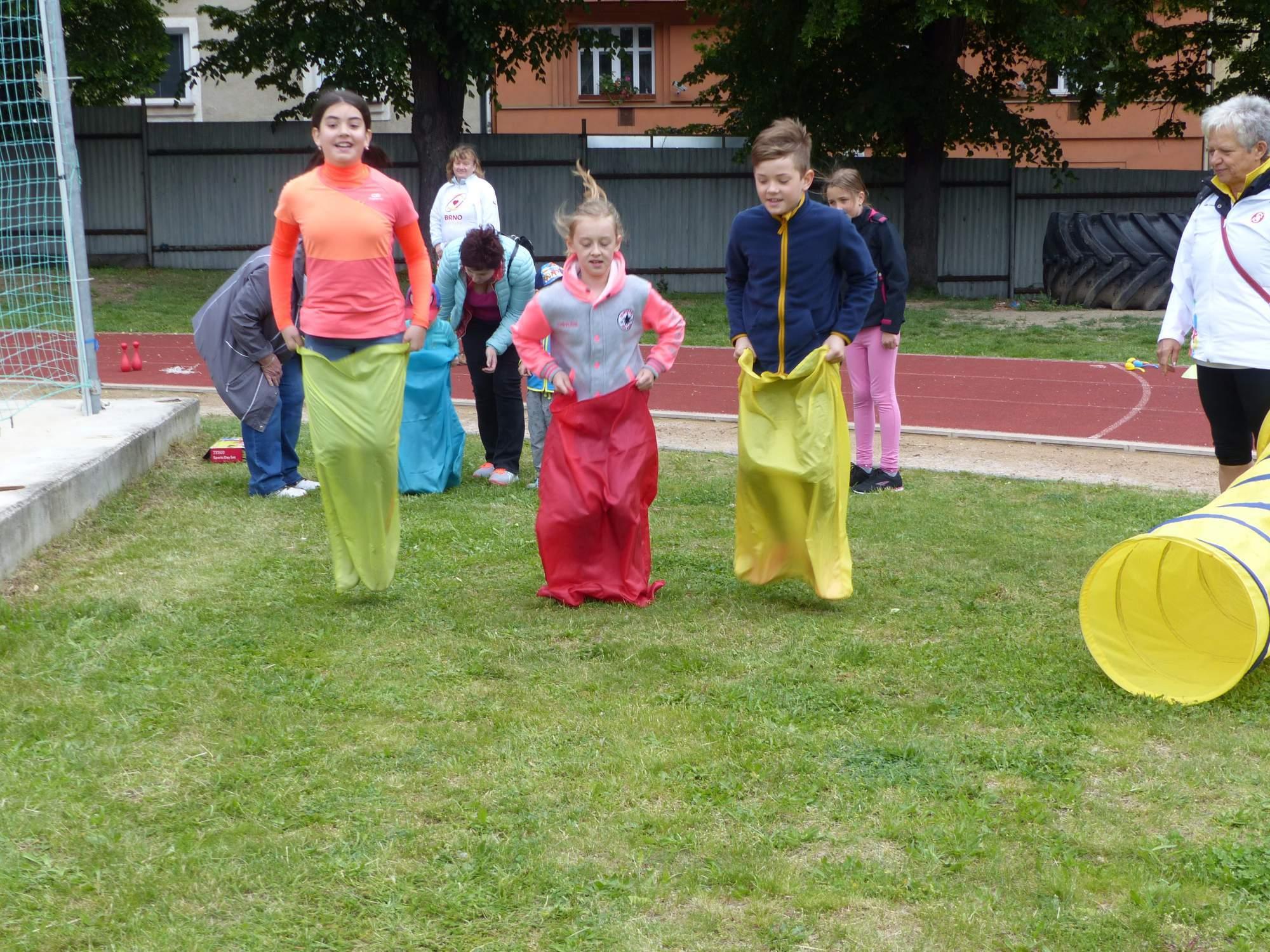 Za každou splněnou aktivitu děti sbíraly razítka. Foto: Michaela Střížová