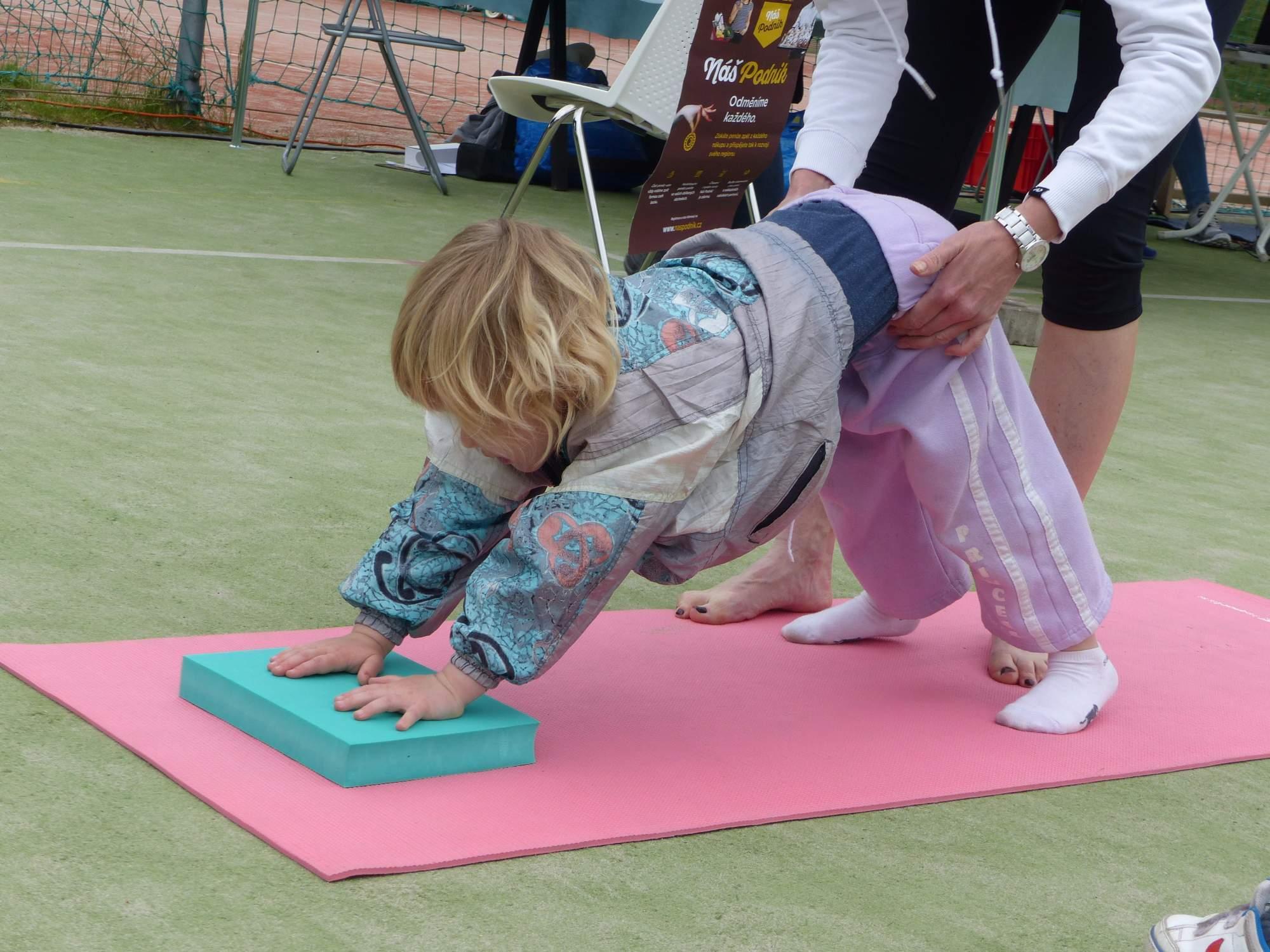 Jak ohební musí být jogíni, zase zjišťovali jiní. Foto: Michaela Střížová