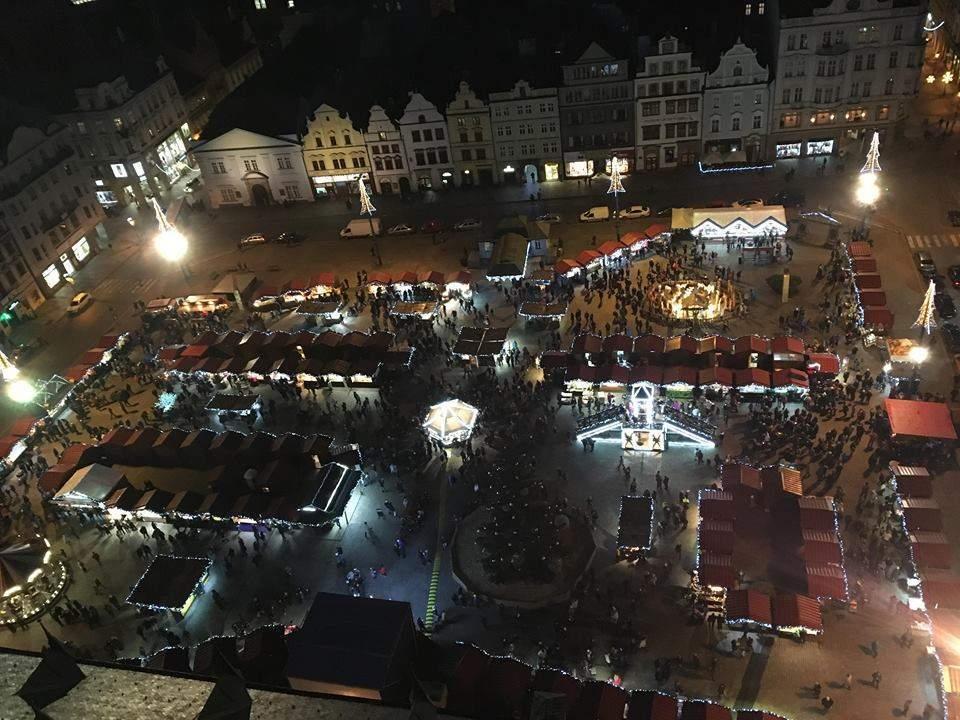 Pohled na trhy v Plzni z výšky (Saskie Burešová)