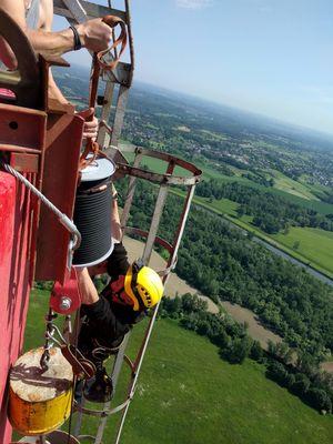 ...třeba na vrchol 274m komína! -   Výškové práce Anděl, info@vyskovepraceandel.cz