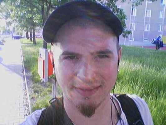 Ja v 2009/lasardoPictures ™✓ - Já  a mé selfičko  • Plzeň a Bory :-)  Foceno:15.06.2009/Plzeň.  Fotograf:Tamáš.J.D•LasardoPictures/JT81™  Fotoaparát:Nokia N73  Dodi15062009807.jpg   Nahrané na WiFi v S27 dne 11.3.2018. #jt81™ :-)
