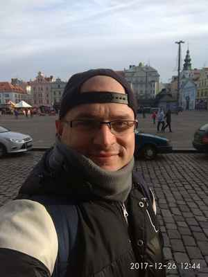 Já v r.2017 a Plzeň náměstí republiky:-) lasardoPictures © JT - Já na náměstí republiky v Plzni. 26.12.2017.   Fotoaparát: Xiaomi RedmiNote4,12:44 h. Plzeň 2017 www.plzen.cz  Fotograf:Tamáš'D'J&LasardoPictures©2017  Nahrané ne InterFernet  29.12.2017/Vlastně na  Internet na McDonald's/Tesco/Rokycanska/Plzeň    #LocalGuides #LasardoPictures #Hunhiphop   Foto by:JT81©LasardoPictures 2017